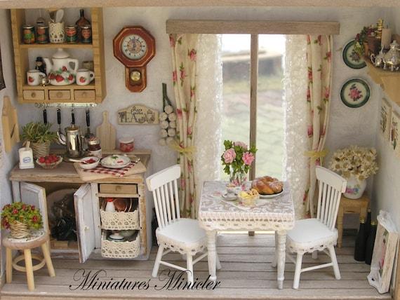 Miniatur puppenhaus k che roombox mit franz sischen fenster - Puppenhaus fenster ...