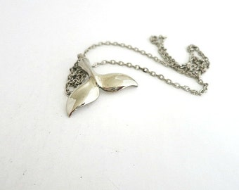 Whale Tail Pendant Chain Necklace Silver Tone