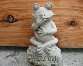 Frog Lawn Ornament