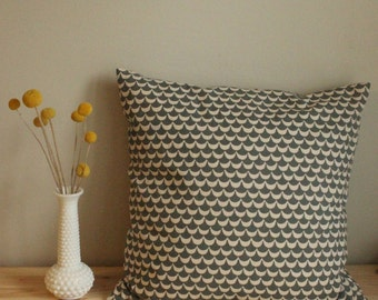 18x18 Minimal Scallop Pillow Cover with Hidden Zipper