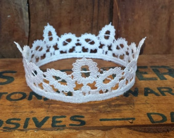 Olivia Lace Crown, newborn baby photography prop