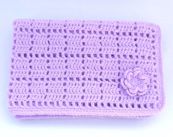 Crochet baby blanket in lilac.