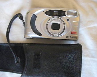 Bell Howell Z-200 35mm Film Camera Point & Shoot with Case C7-5