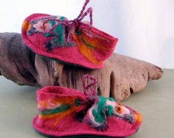 Baby booties/dragon baby booties/wool felt baby booties/pink wool felted baby booties/needle felted baby booties/newborn shoes/felt shoes