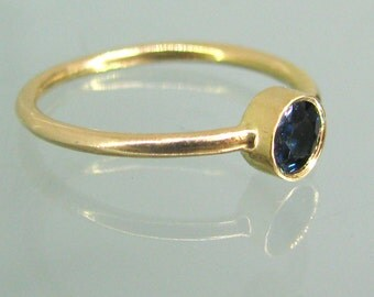 Natural Sapphire Ring * Delicate Ring * Simple Gold Ring