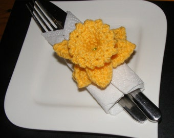 Napkin Rings Serviette Holders Two Hand Knitted Yellow Daffodil New
