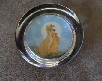Vintage 1991 Lady and The Tramp Paperweight