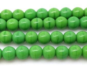 25 Vintage Green Czech Round Glass Beads 6mm