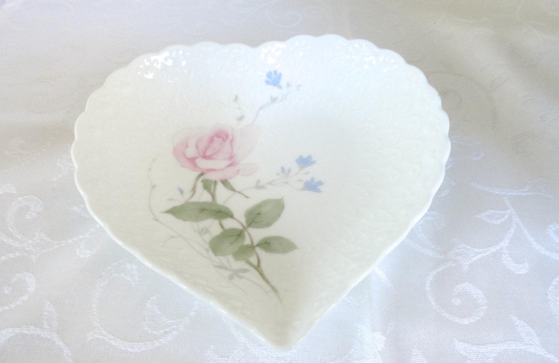 Mikasa heart shaped candy dish jewelry holder for Heart shaped jewelry dish