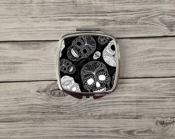 Sugar Skull - compact mirror.  Skull mirror. Makeup compact mirror. Great bridesmaids gift. Great for friends, mom or yourself!