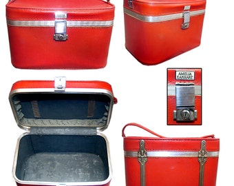 Vintage Amelia Earhart Luggage / Vintage Train Case / 1960's Train Case / Pin-up Case