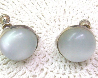 Vintage Sterling Silver Pale Blue Moonglow Cabochon Screwback Earrings...Iridescent...Circa 1940s