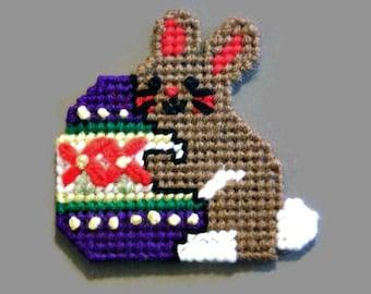 Easter Bunny with Egg Magnet, Plastic Canvas, Refrigerator Decor, Fridge Magnet, Easter Decor