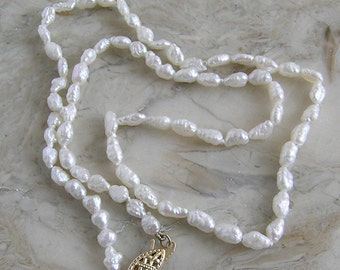 Vintage Strand Of Natural Fresh Water Pearls 16 Inches Long