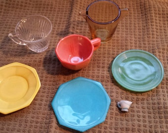 Lot of 7 Akro Agate Children's Dishes