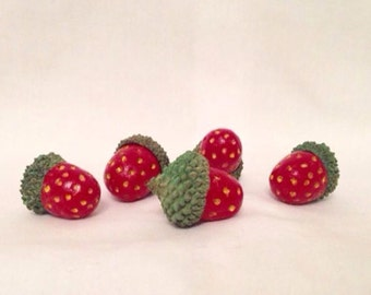 10% off Sale - 5 x Handmade polymer clay 'strawberry' acorns in real acorn caps red Christmas craft supplies