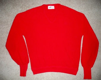 Vintage Winona Knits Vneck Made in USA Red Wool Men's Preppy Tennis Sweater Sweaterweather Size XLarge