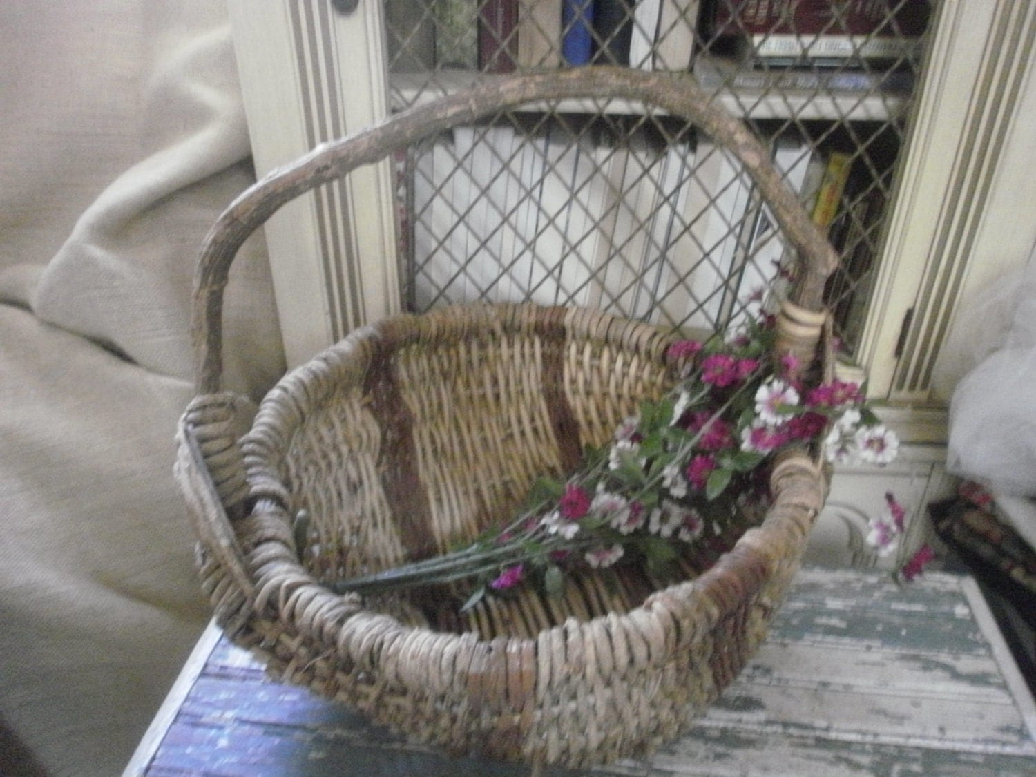 How To Weave A Basket Out Of Twigs : Beautiful large woven twig vine basket with handle wedding