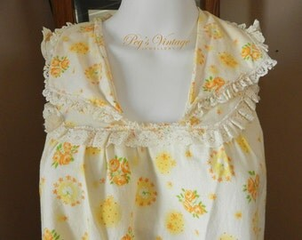 1960s Yellow Floral Nightie Dress, Vintage Lingerie/Flower Night Gown Chemise Sleepwear, Lace Ruffle Nightie Size  S/M