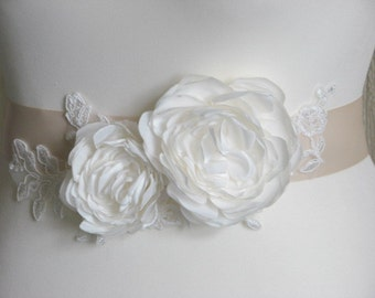 Wedding sash Champagne sash Champagne ribbon sash Ivory sash Wedding ribbon sash Ivory champagne sash Ivory peony pin Champagne dress