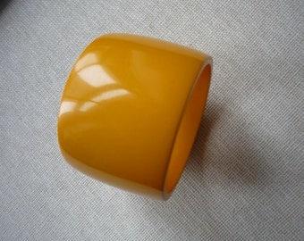 Vintage Chunky Wide Butterscotch Bakelite Bangle Bracelet
