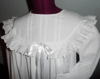 Girls Eyelet Trimmed Muslin Nightgown, 1800's Prairie/Victorian, Photo Prop, Wendy Costume, Sound of Music    Sizes 4-14