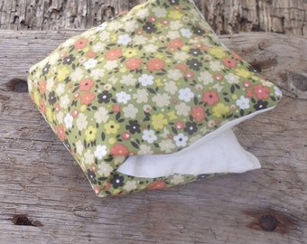Lavender Eye Pillow, Herbal Eye Pillow, Yoga Eye Pillow, Eye Compress,  Floral, Relaxation Pillow, Yoga Gift, Retro Floral Print