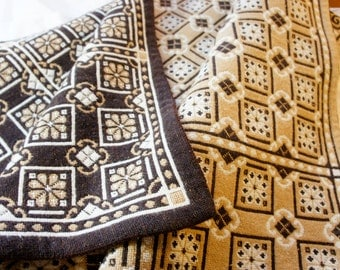 vintage tan and brown woven coverlet bedspread geometric reversible cottage twin bed covering blanket cabin NICE
