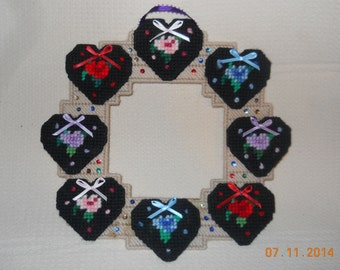 Flowered Heart Wreath in Plastic canvas