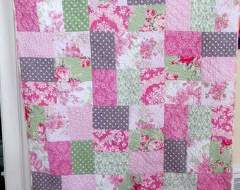 Adorable Shabby Chic Baby Quilt