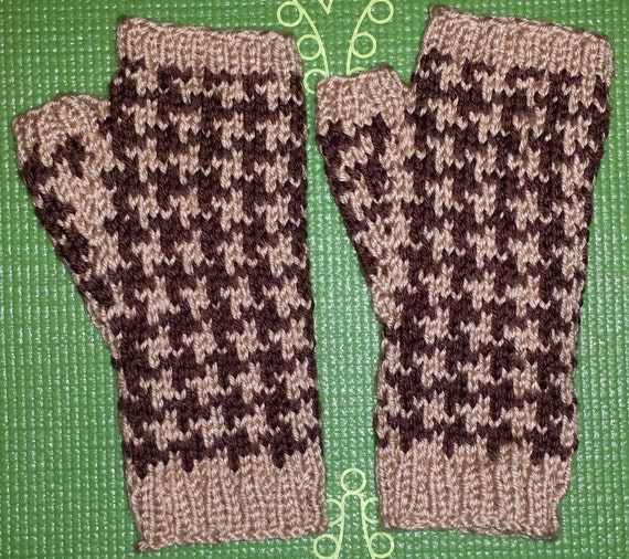 Houndstooth Knitting Pattern In The Round : 50% off Sale Brown and Tan Knit Fingerless Houndstooth Gloves