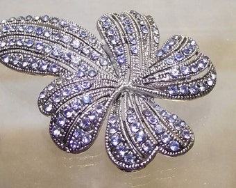 Exquisite Vintage light blue rhinestone silver toned pin brooch and earring set. Demi Parure. #34d.