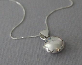 Sterling Silver Locket on Sterling Silver Necklace Chain, Sterling Silver Locket Necklace