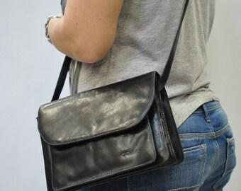 Vintage MESSENGER leather bag ...(038)