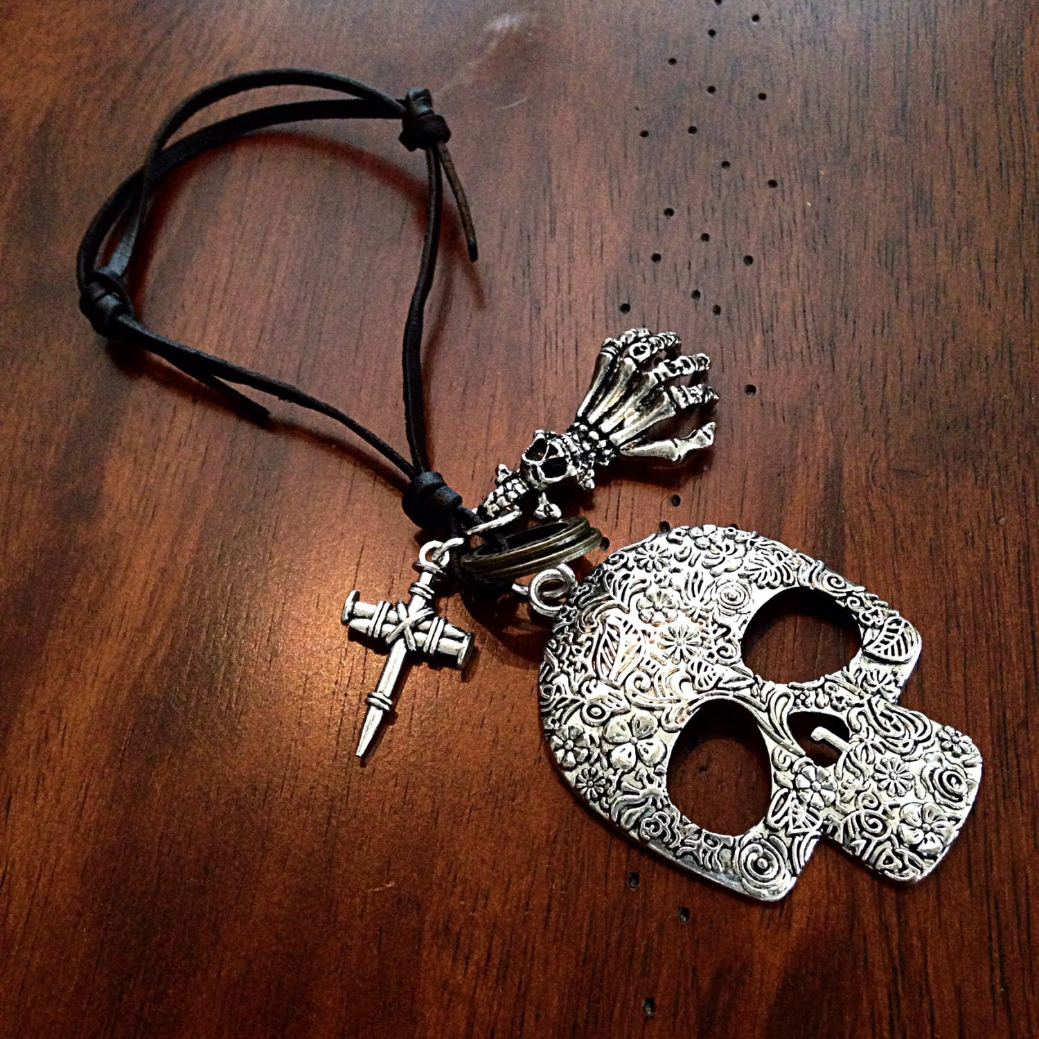 car accessories rearview mirror charm skull keychain