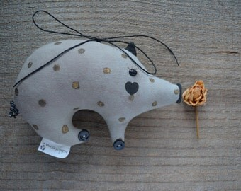 Love pig - Primitive toy-  Wall decor home - Textile rag doll - Stuffed soft fabric toy - Valentine day.