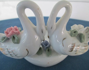 Vintage White Porcelain Double Swan Figurine Trinket Dish With Floral Motif Home Decor Figurine Collectibles