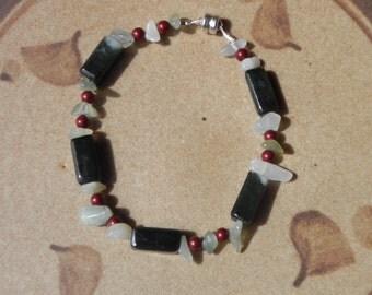 "Jade, sea glass, Swarovski pearl bracelet -  7 1/2"""