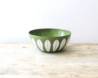 Vintage Cathrineholm Bowl, Green and White Enamel Lotus Bowl, Mid Century Modern 4 Inch Enamel Bowl, Green and White Cathrineholm Bowl