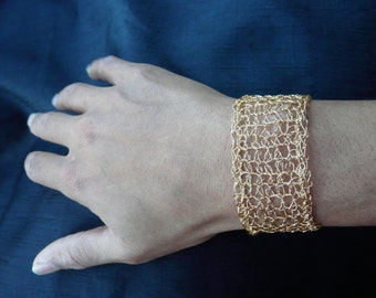 Crochet Gold plated copper wire bracelet /// Crochet wire bracelet ///