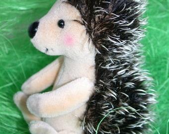 "kit hedgehog ""STAKSI"" 11cm  4.3 inch by Ah-hA BÄREN artist bear"