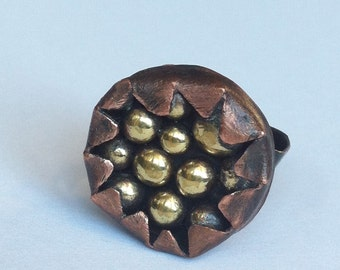 Pebble cake. Adjustable handmade copper ring  with shiny golden pebbles.