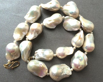 Pearl Necklace, Large Flameball Pearl necklace