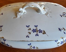 "Elegant vegetable-dish or small soup tureen - Antique fine LIMOGES porcelain stamped "" William Guérin & Co"" between 1891-1927"
