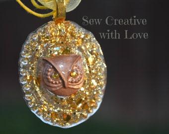 Owl Cameo Necklace, Owl Jewelry, Owl Pendant, Glitter Owl, Resin Owl, Resin Jewelry, Glitter Jewelry, Glitter Owl, OOAK Jewelry, Golden Owl