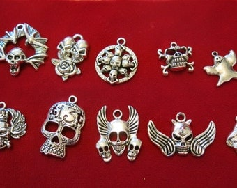 """10pc """"Halloween / gothic set"""" charms in antique silver style (BC453)"""