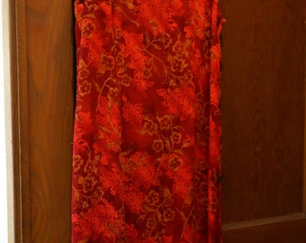 Vintage scarlet red Chinese flower dress, Vietnamese style buttons on bottom of side