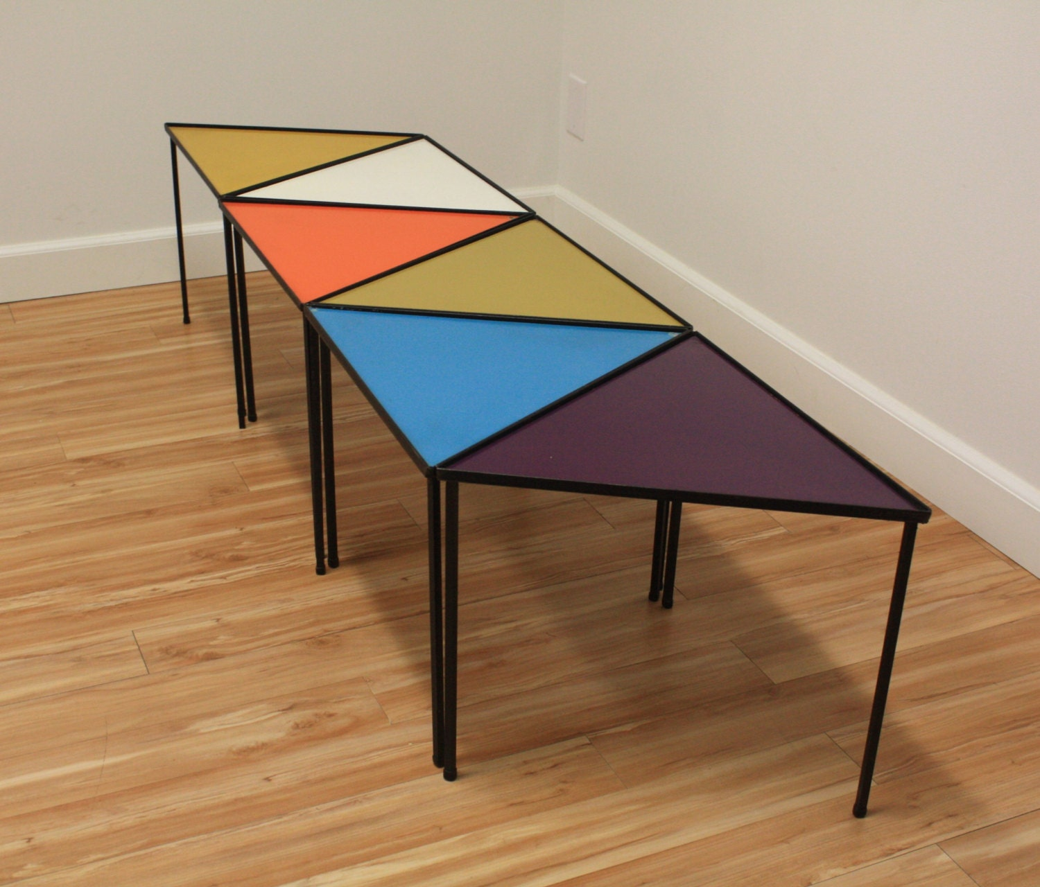 Mid-Century Modern Stacking Triangle Tables 6 Arthur Umanoff