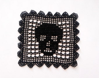 Black crochet skull doily, square crochet doily, scary table topper, Halloween decor, black party decoration