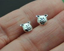 925 Sterling Silver Pig Earrings Pig Studs Farm Animal sterling silver earrings Girl cute studs spring animals, cartilage stud, helix